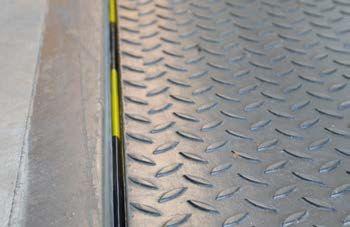 Dock leveller seals